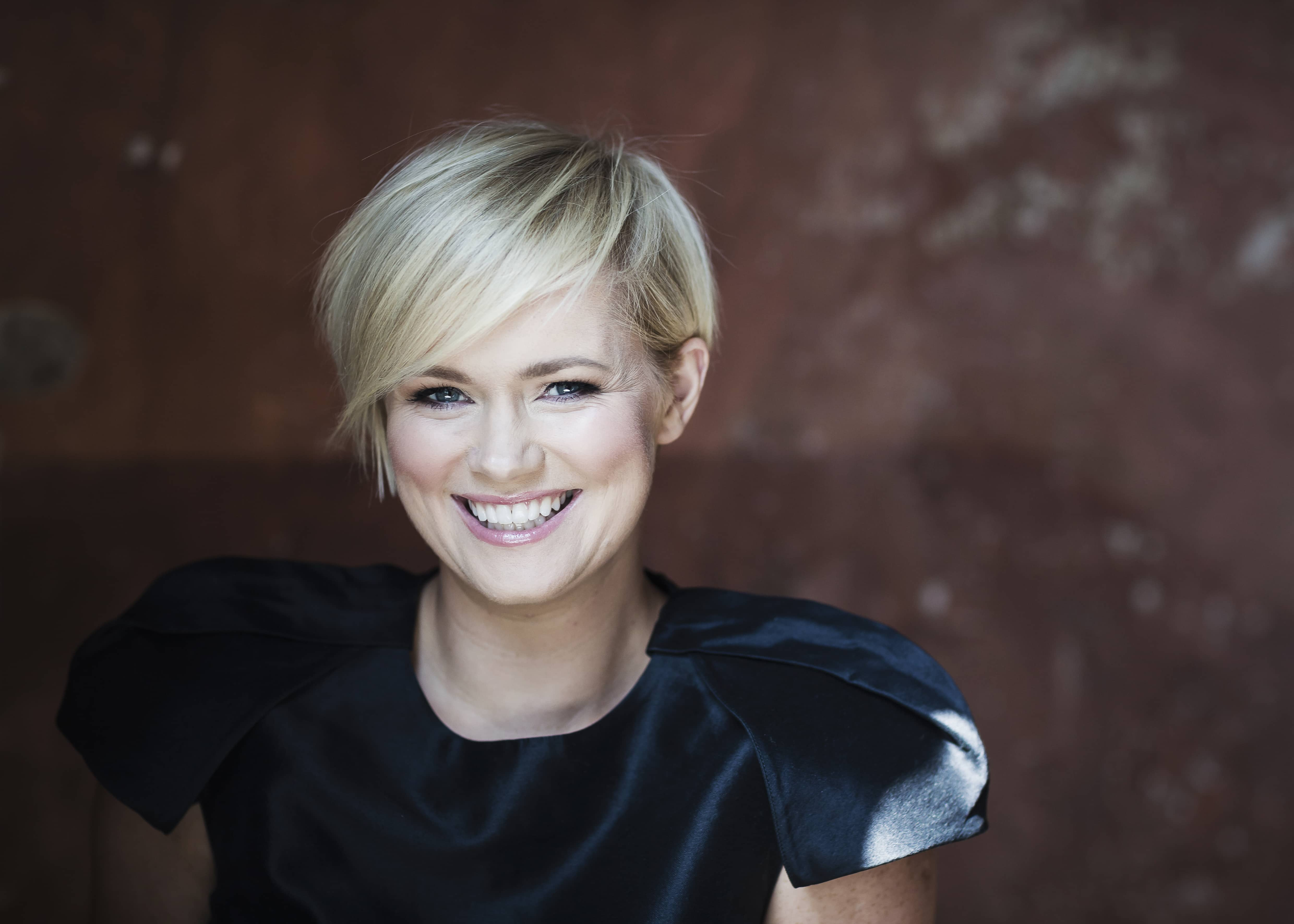 Cecelia Ahern To Visit Belfast For The Marble Collector